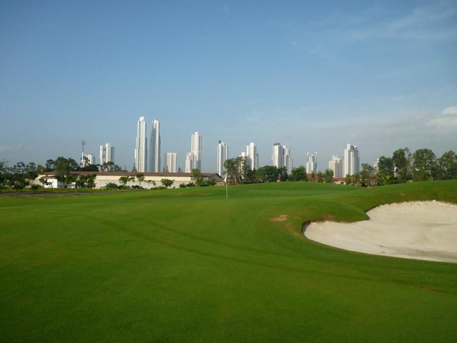 Proyecto Club de Golf en Santa María